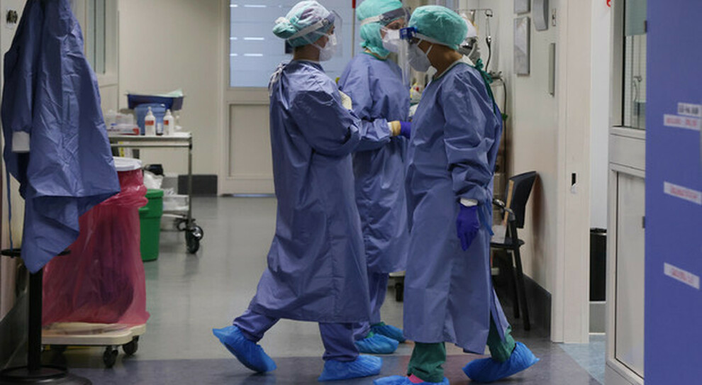 Roma, ospedali in affanno: contratti prolungati fino a dicembre per medici ed infermieri