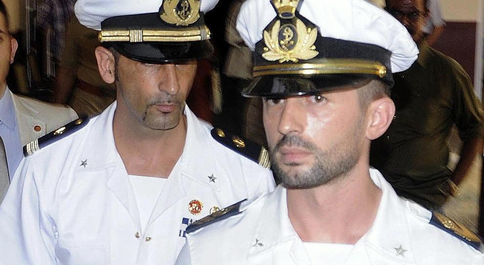 Marò, dopo 9 anni l'Italia trova l'accordo con l'India: 100 milioni di rupie per risarcire i familiari delle vittime