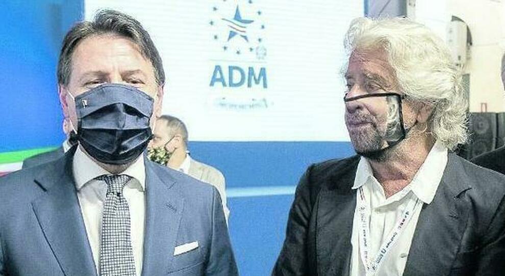 M5S, riparte la diaspora i leader sotto processo. E Conte incontra Grillo