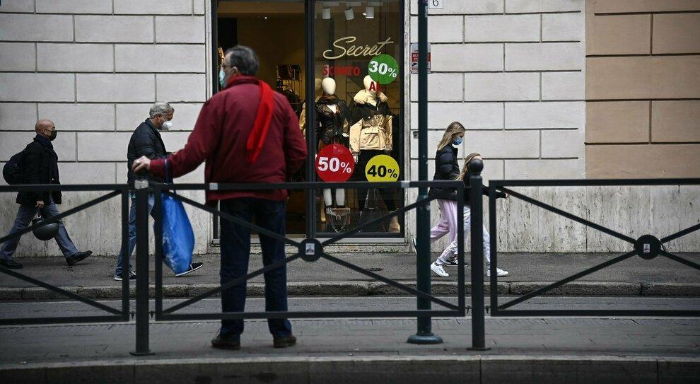 Covid e crisi a Roma, boom di cassa integrazione: la metà per locali e ristoranti