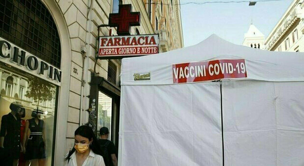Vaccini, il no dei farmacisti: «Stop a J&J». Ed è caos sui richiami