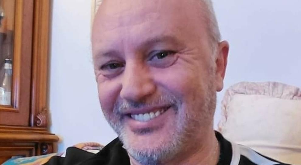 Pescara, Claudio Dj morto a causa del Covid. Il post su Facebook: «Febbre e raffreddore»