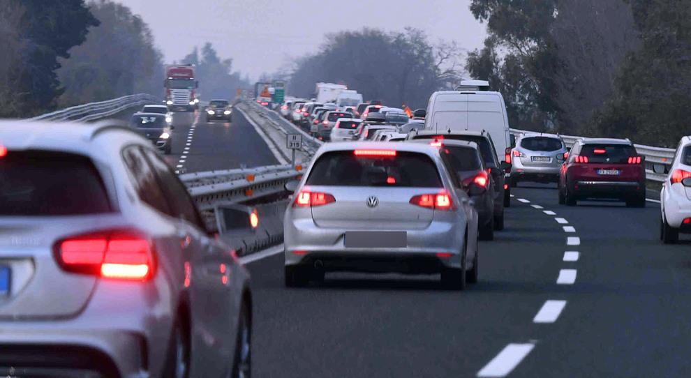 Pescara, incidente sull'autostrada: coinvolto un mezzo pesante, un morto