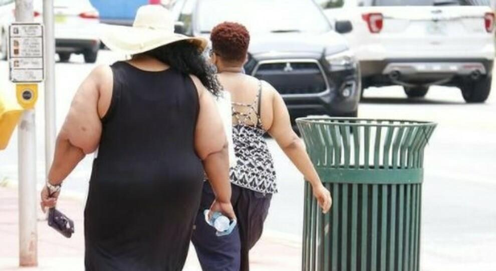 Covid, ricerca Usa: l'obesità aumenta i pericoli, chi è in sovrappeso andrebbe vaccinato presto