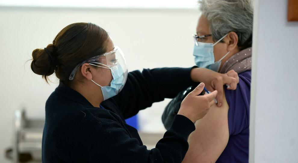 «L Italia può prodursi i vaccini in casa». Draghi tratta con la Ue sugli stabilimenti