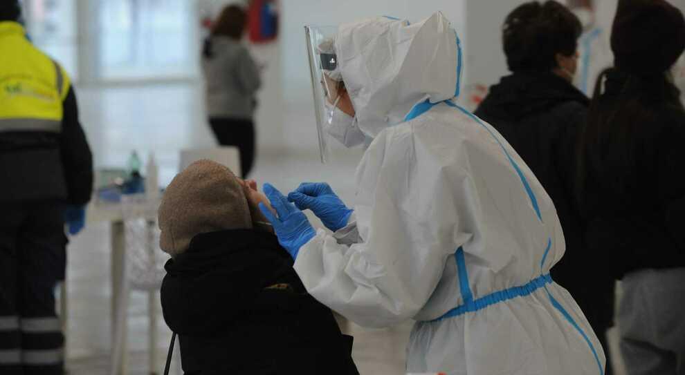 Tamponi rapidi sotto esame. «Il nuovo virus può sfuggire devono essere aggiornati»