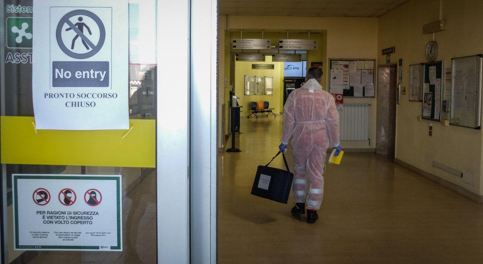 Coronavirus, l'ospedale focolaio nel mirino di Conte: ha favorito il contagio. Codogno: seguiti tutti i protocolli