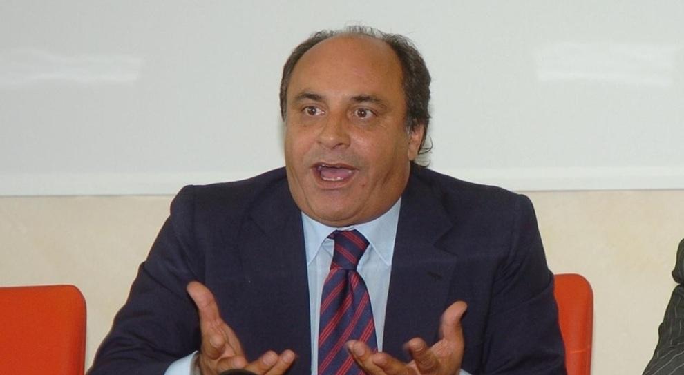 Sesso e favori, l'ex senatore Piccone si dimette da vice sindaco di Celano