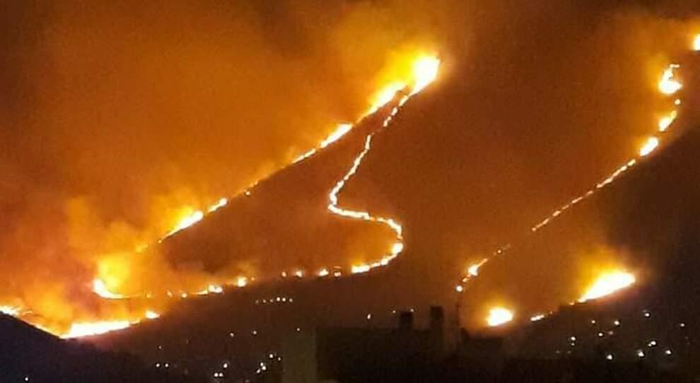 Un inferno di fuoco a Sperlonga