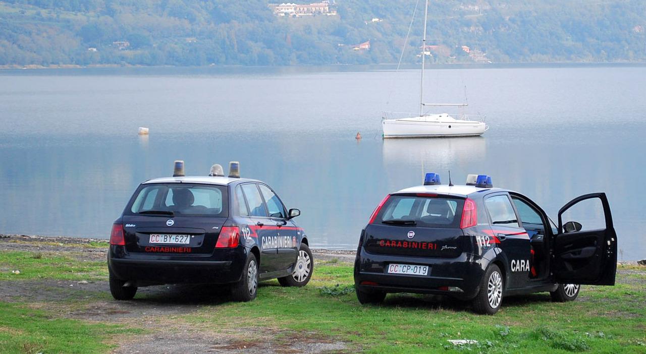 Castel Gandolfo, due ragazzi accoltellati al lago: arrestato 19enne. Lite per un passaggio: «Non mi va, ho sonno»