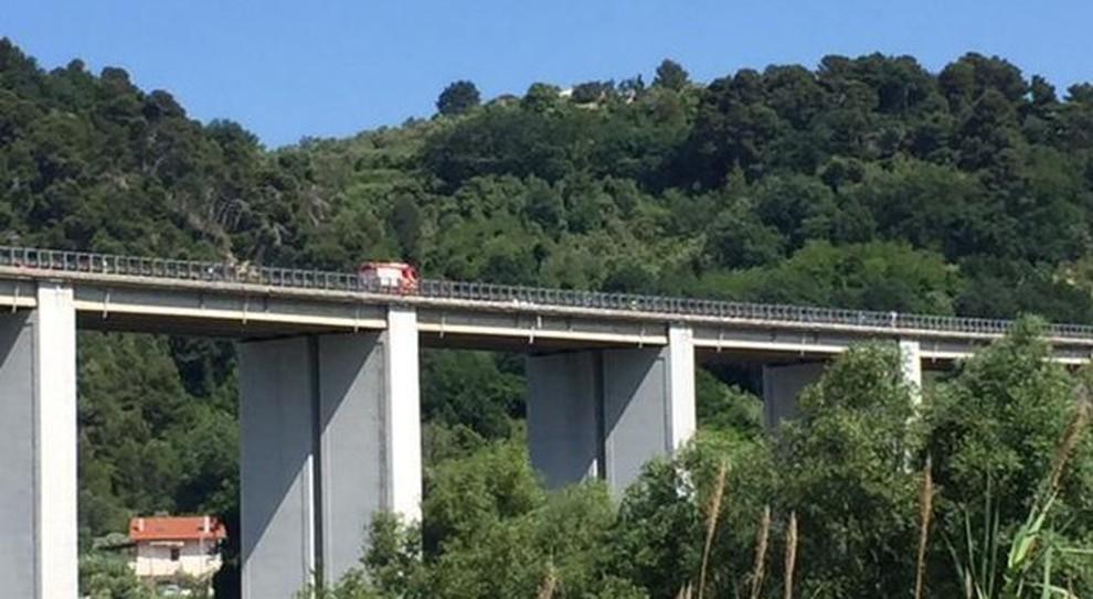 48enne si butta dal viadotto Cerrano: è il nono suicidio in poco più di un mese