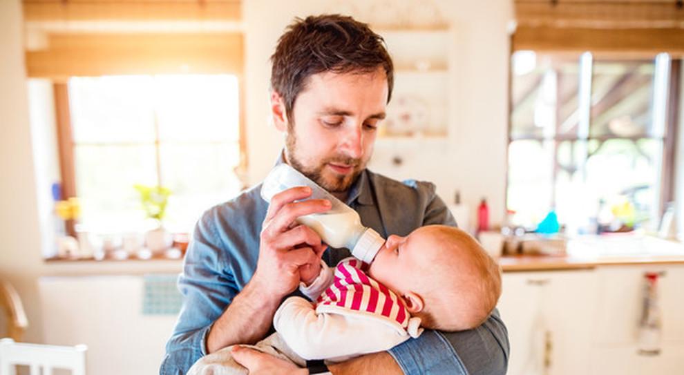 Coronavirus, dai giornali ai mariti che spicciano casa: ecco 20 cose positive della quarantena