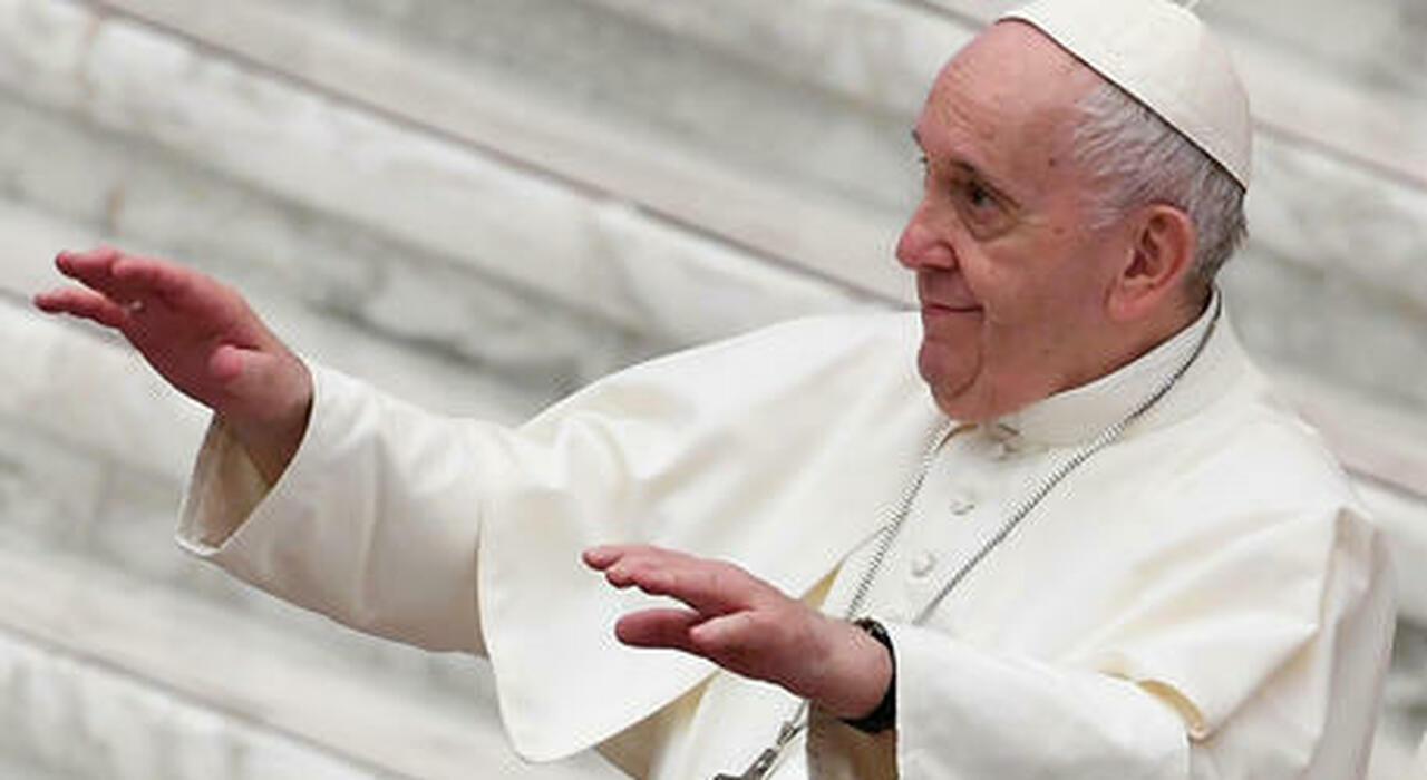 Papa Francesco, come sta il Pontefice: «Sono ancora vivo», poi striglia i nunzi