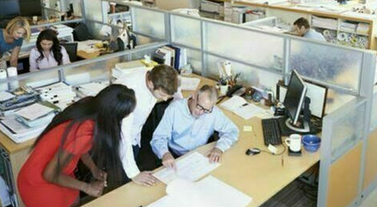 Assunzioni, al via il maxi-piano: obiettivi nei contratti e a casa chi non li centra
