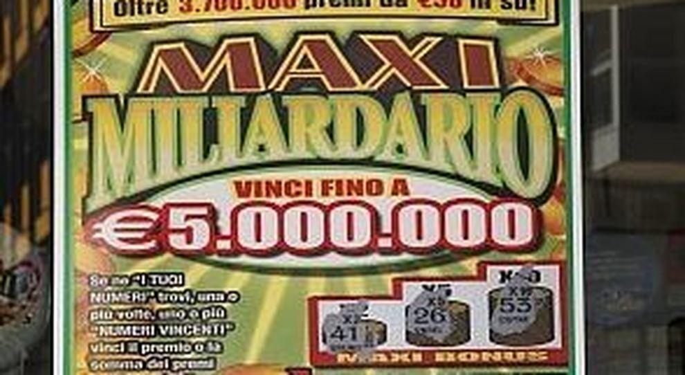 Gratta e vince 5 milioni al bar, aveva comprato un biglietto da 20 euro