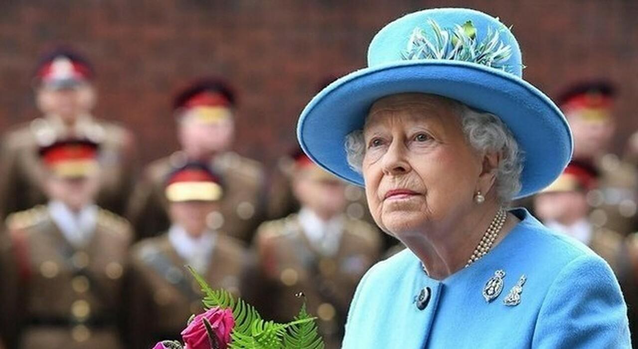 Regina Elisabetta, Oxford cancella il suo ritratto: è colonialista. L ira del ministro dell Istruzione