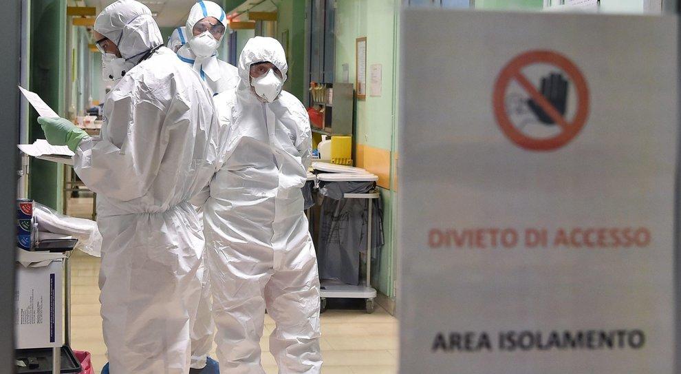Coronavirus, troppi medici in quarantena: piano a difesa degli ospedali