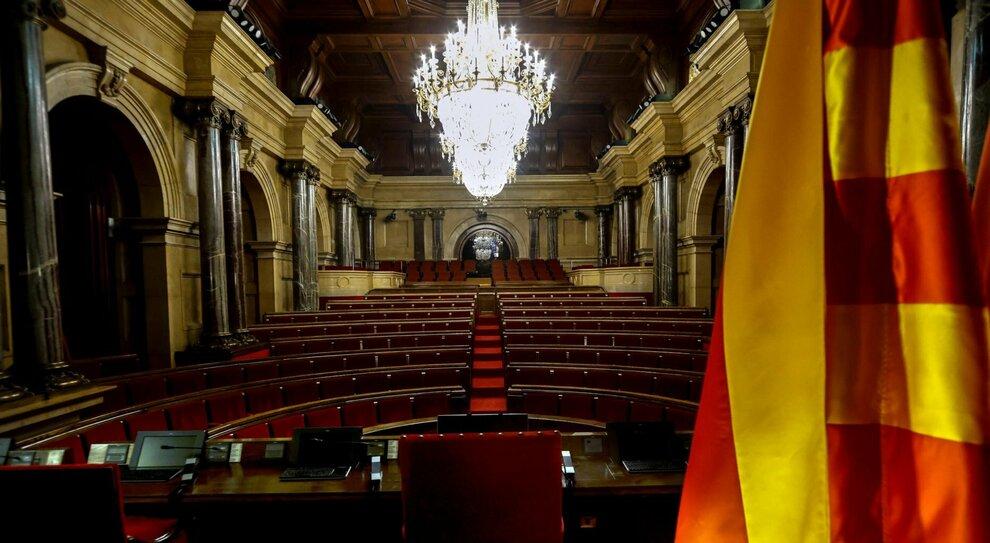 Spagna, peggiora l'epidemia Covid: la Catalogna rinvia le elezioni di febbraio al 30 maggio