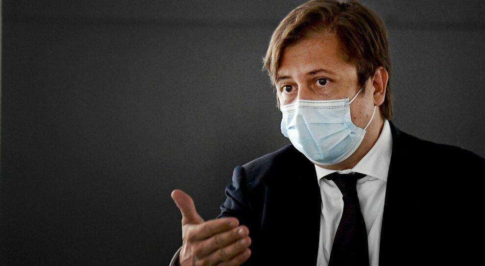 Vaccino Covid, Sileri sugli «imbucati»: «Le autorità verifichino. Sarebbe estremamente grave»