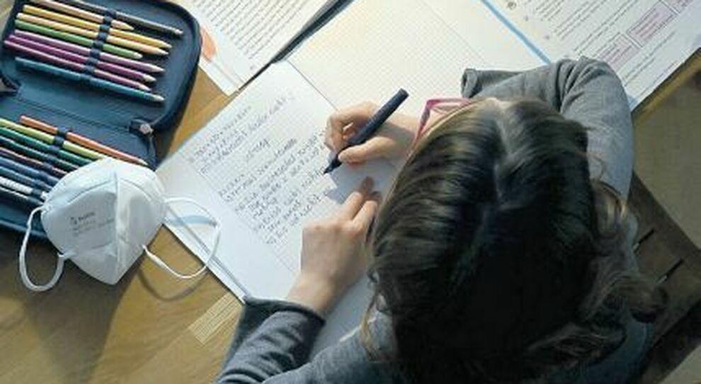 Disturbi alimentari, ansia e stress per uno studente su tre in Dad