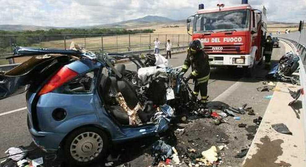 Mai Cosi Pochi Morti In Incidenti Stradali In 10 Anni Dati Istat Nel 2019 Sono Stati 172 183 4 8 Morti