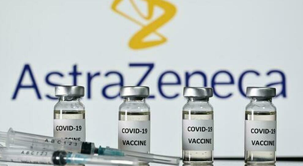 Vaccino Covid, la mossa dell Europa: «Chiediamo agli Usa le dosi di AstraZeneca»