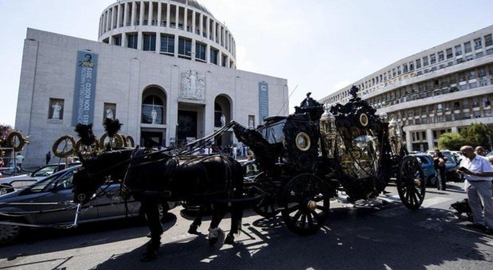 Funerale show Casamonica, il superteste: «Ricatto ai politici per celebrarlo: minacciarono morti in strada»
