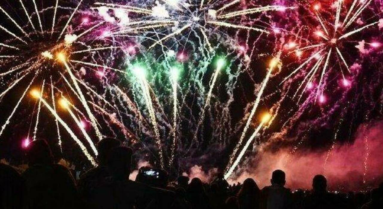 Fuochi d'artificio in una villa per un compleanno, rogo e paura a Santa Marinella