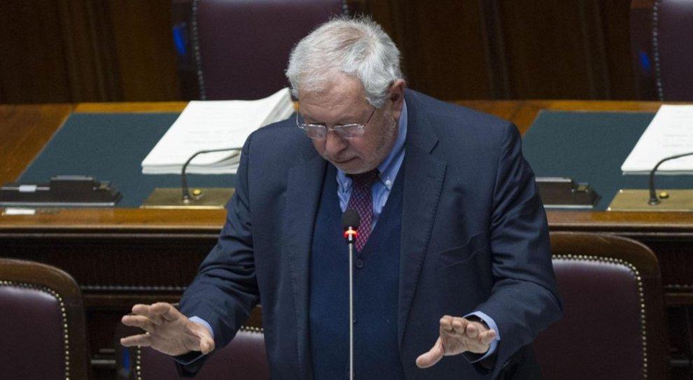 Baretta, sottosegretario all'Economia: «Cig rifinanziata solo per i settori in difficoltà e lo stop ai licenziamenti non sarà per tutti»