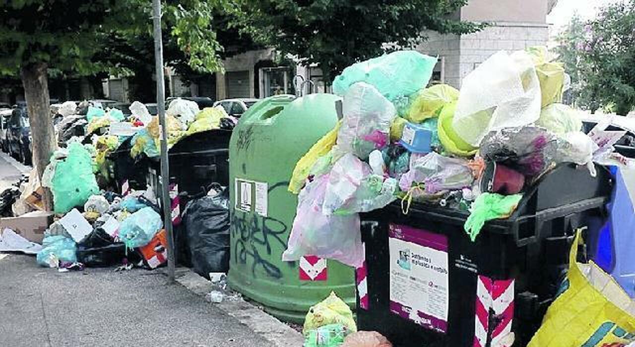 I rifiuti della Capitale a Bolzano e Milano: il flop della gara per l'estero, aumentano i costi