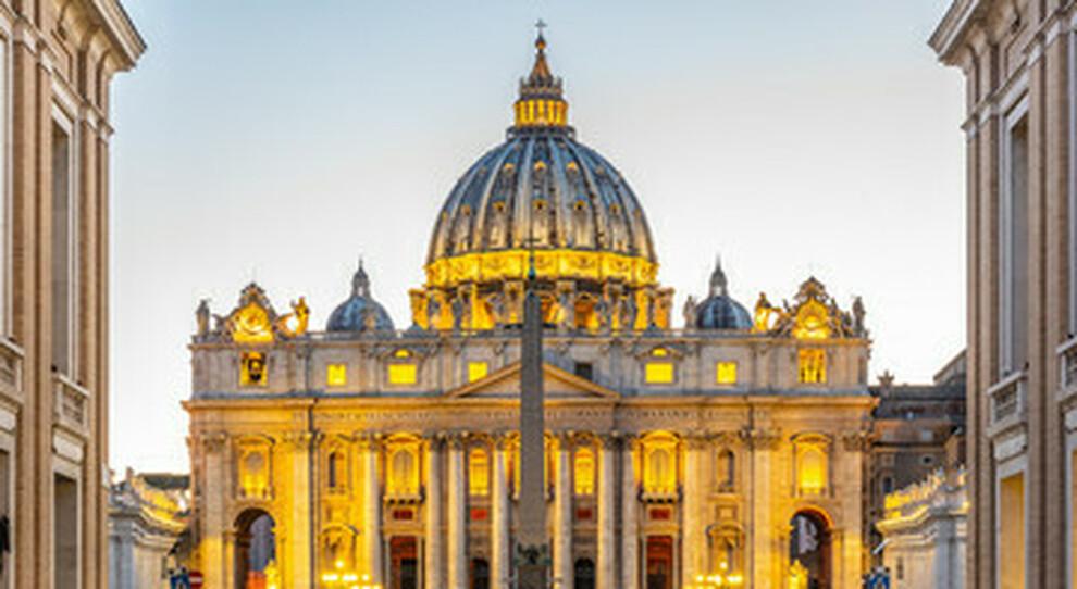 Vaticano, largo agli investimenti etici: il Papa crea un comitato di esperti di finanza