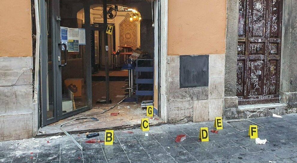 Roma, un boato a Trastevere: smurato il bancomat vicino al commissariato