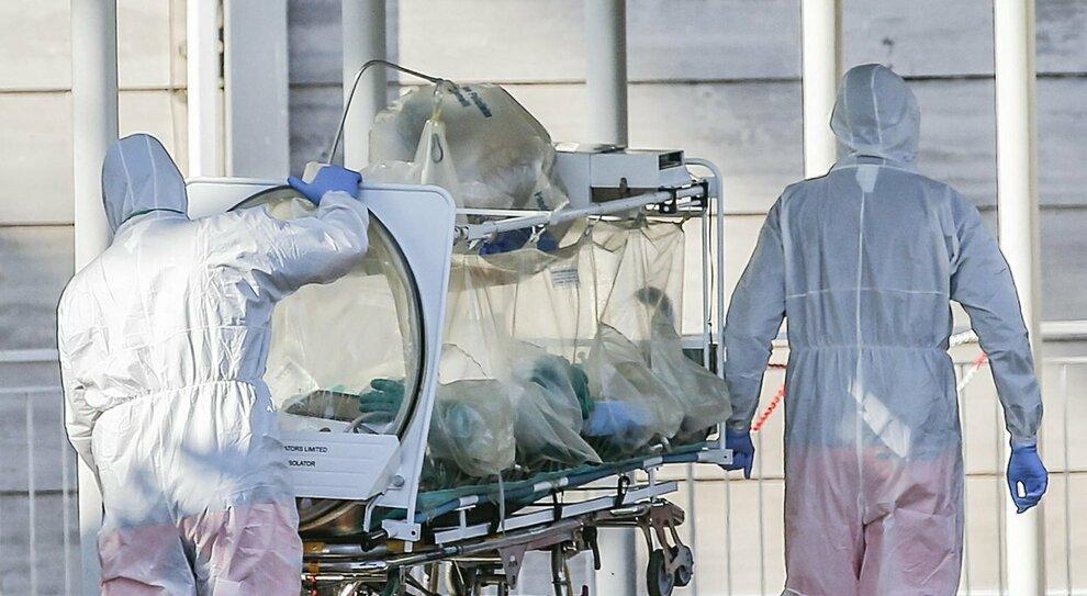 Covid Roma, caos ospedali: saltano gli interventi e visite in ritardo. Aumentano i tempi d'attesa per gli esami
