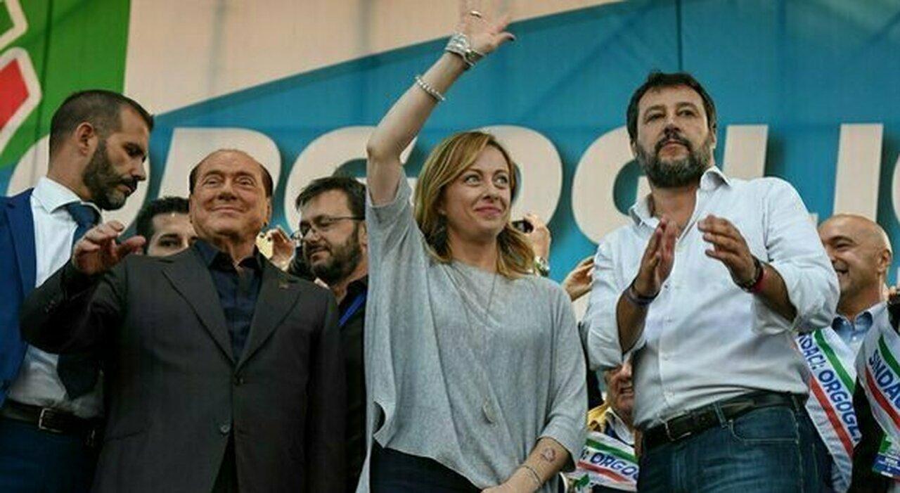 Berlusconi vuole il partito unico del centrodestra, ma Salvini lo gela: «Non interessa a nessuno»