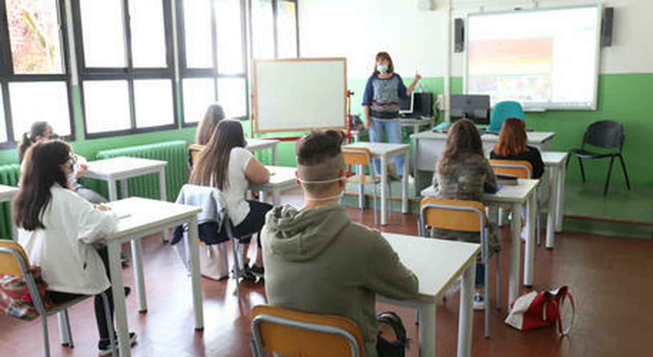 Scuola, quattro diverse quarantene se c'è un positivo in classe