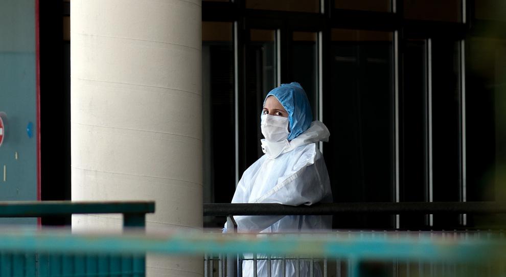 Allarme medici e infermieri: 70 contagi negli ospedali di Teramo