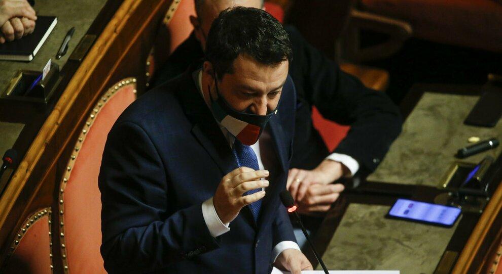 Draghi, Salvini applaude la linea sui migranti ma meno quella sull'Ue: «Ora cantieri e giù le tasse»