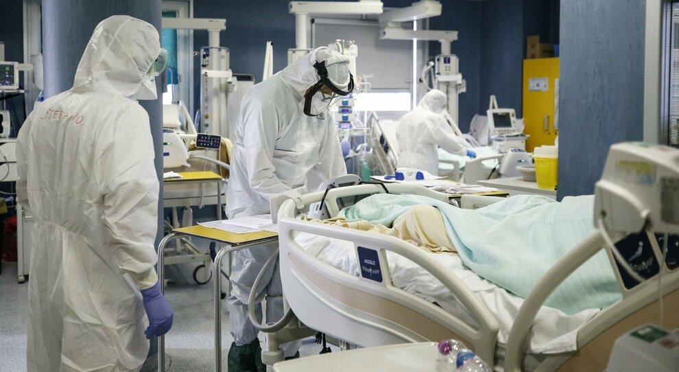 «Lockdown totale», i medici: le terapie intensive al collasso