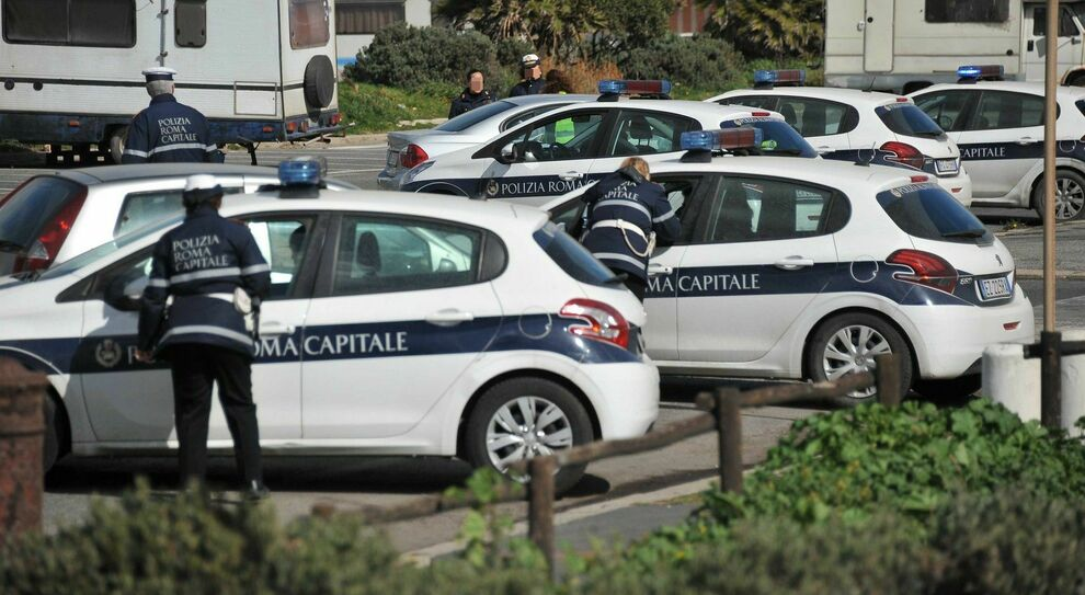 Roma, vigili ammutinati: «Non facciamo più multe»