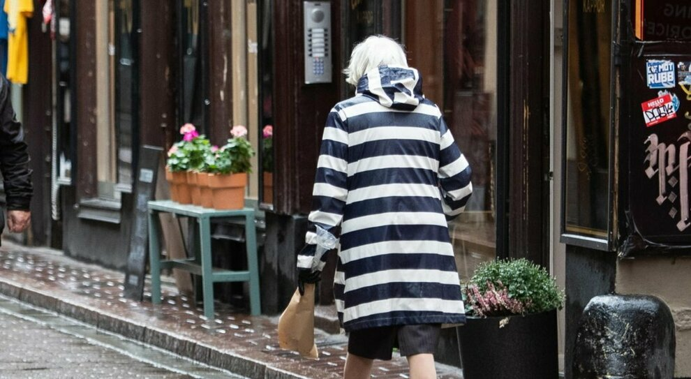 Anziana positiva fugge dalla casa di cura «Non avvicinatevi a lei» Ricerche in centro
