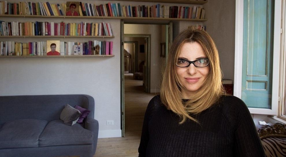 """Premio Strega 2021, è l'anno delle donne: Teresa Ciabatti favorita con """"Sembrava bellezza"""""""