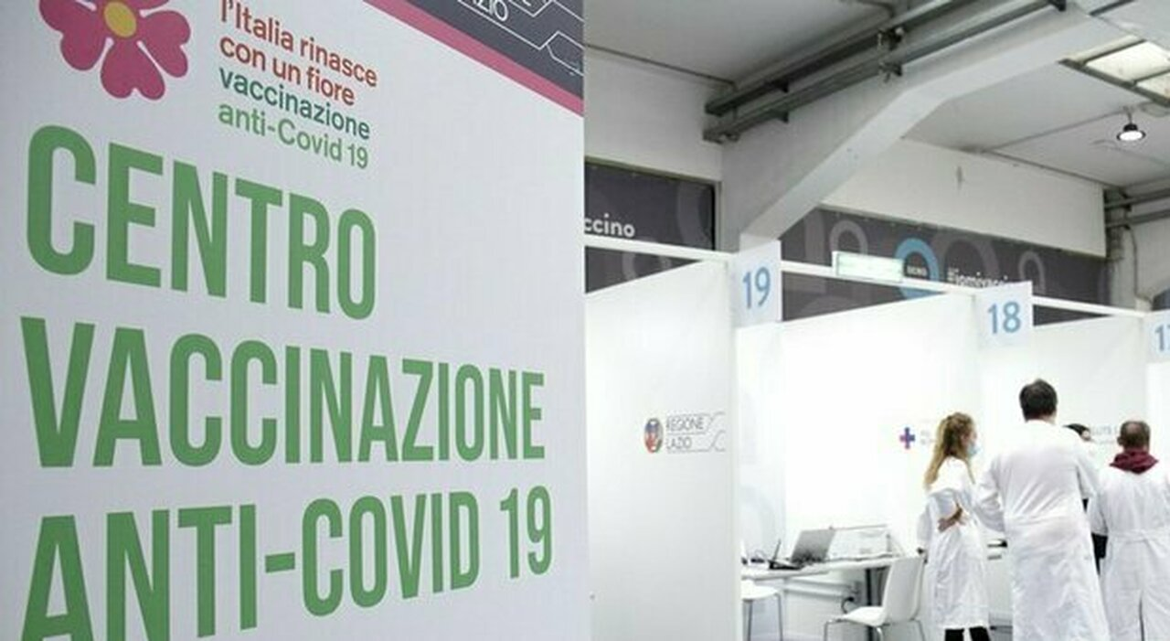 Vaccini Lazio, open day per i 18enni: boom di prenotazioni. Ma poi l app UFirst è andata in tilt