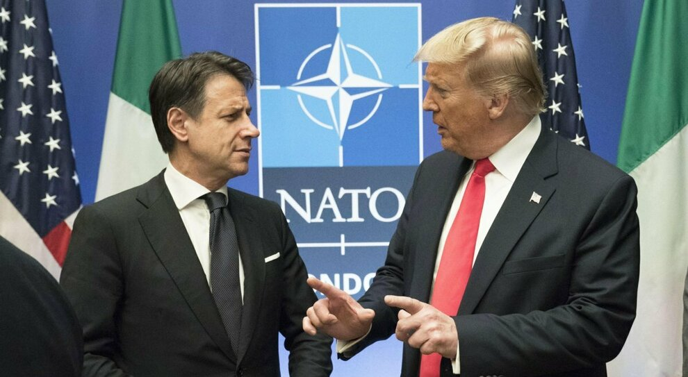 Donald Trump, spopola l'hashtag #ItalyDidIt. I complottisti. «L'Italia ha cospirato per Biden»