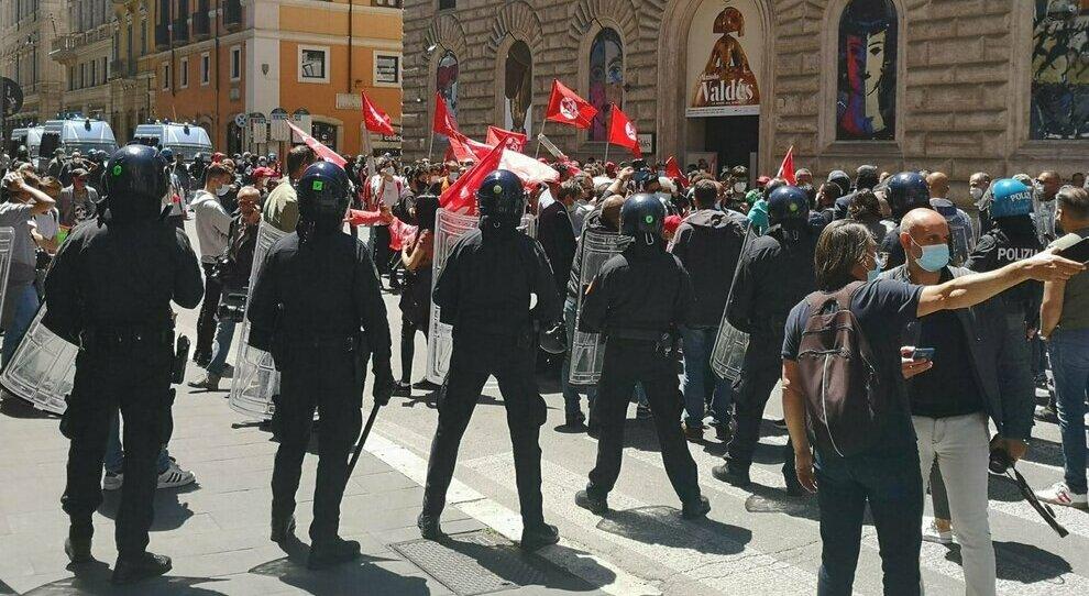 Roma, vietato il sit-in di Forza Nuova ma il Centro oggi a rischio caos