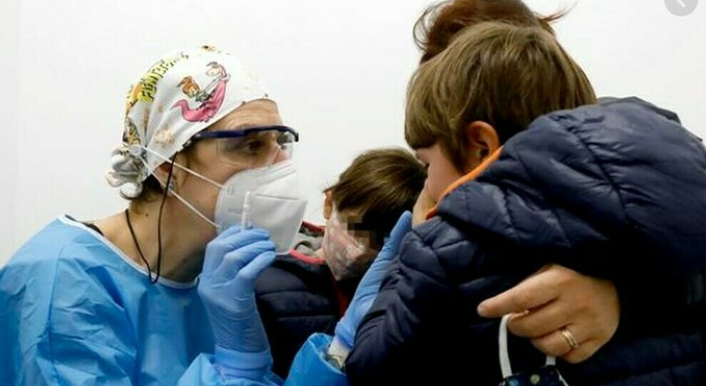 Vaccini Lazio, dosi anche per i bambini: in campo 650 pediatri