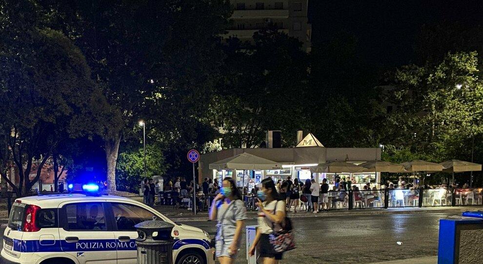 Roma, la notte folle della baby gang: prima l'alcol, poi la violenza