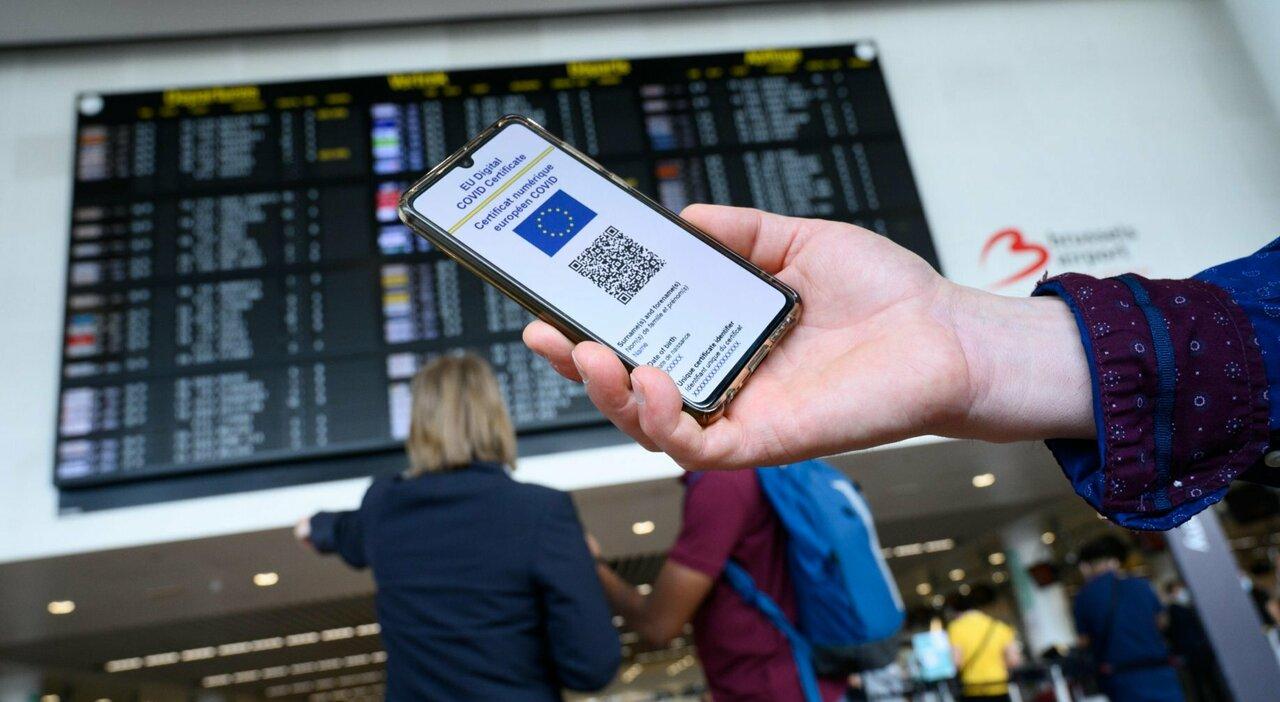Green pass anche per aerei, treni e navi. Scuola, prof No vax rischiano trasferimento