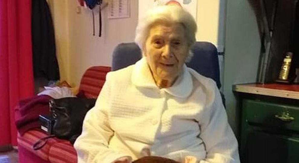 Italia sopravvive ai suoi tre figli e, a 95 anni, sconfigge anche il covid