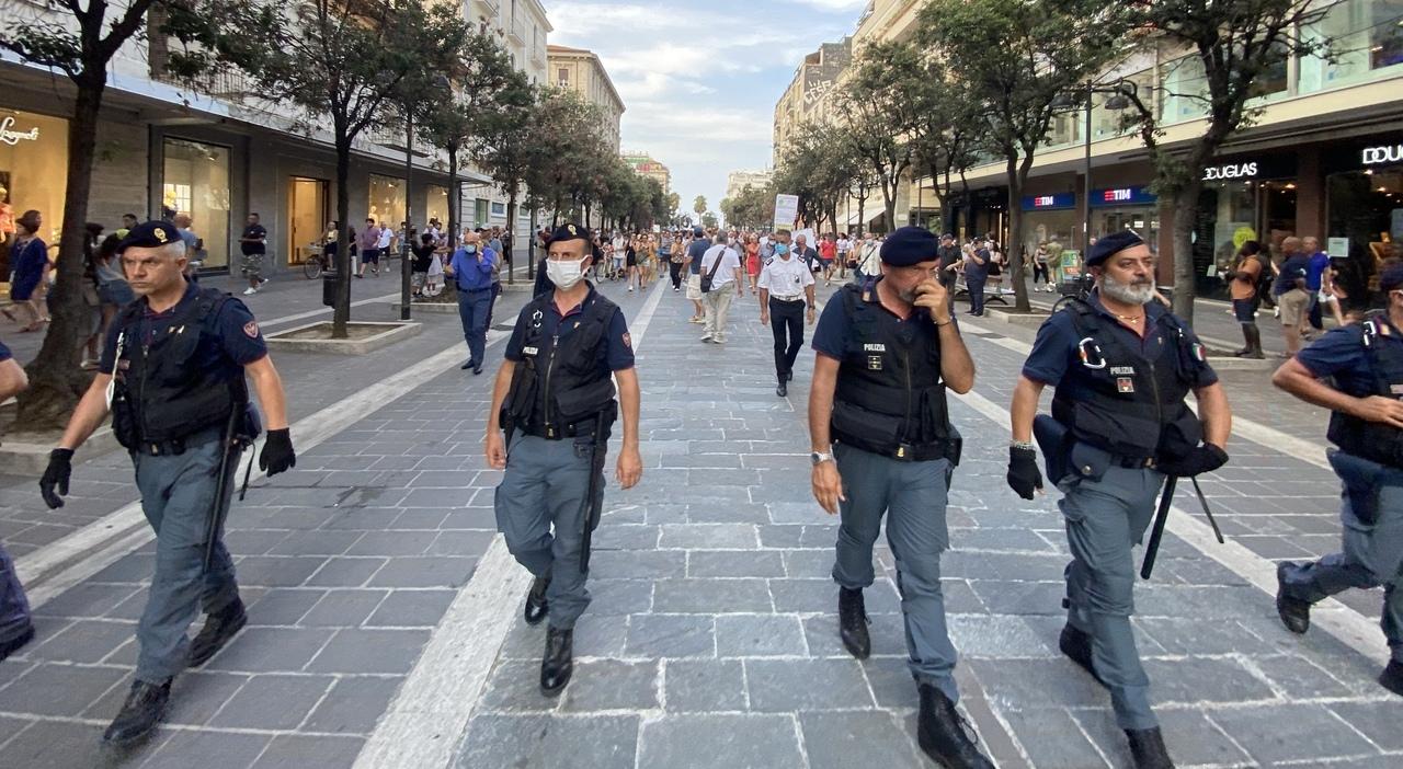 Pescara, corteo No-Vax: denunciati un avvocato e un ex medico