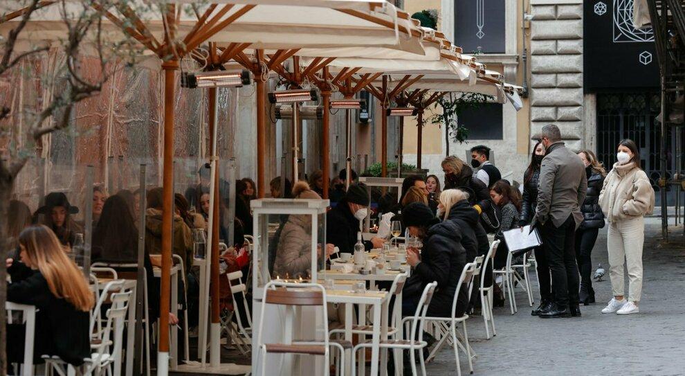 Lazio in zona arancione? È tra le Regioni in bilico: il rischio di una nuova stretta